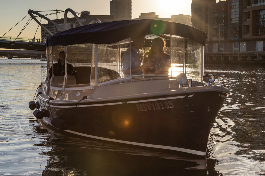 boat cruises operate in the evenenings from Southbank Melbourne