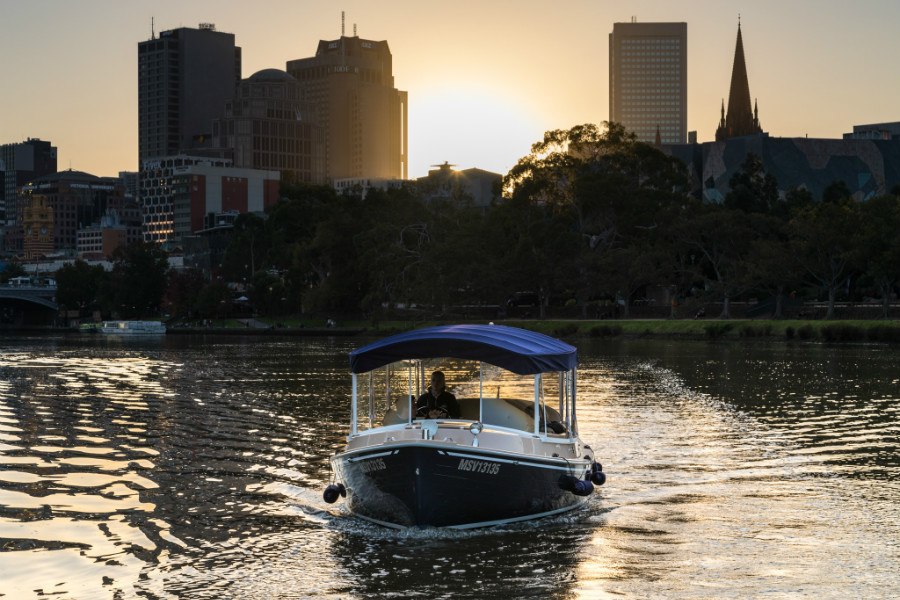 private cruising options with skippers, melbourne yarra river