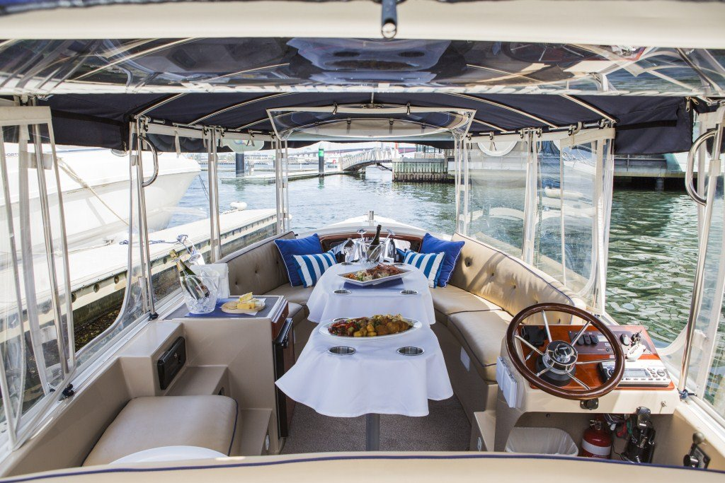 Yarra River Boat Cruise Christmas Parties Luxury Xmas Cruises On Skippered Or Self Drive Boats