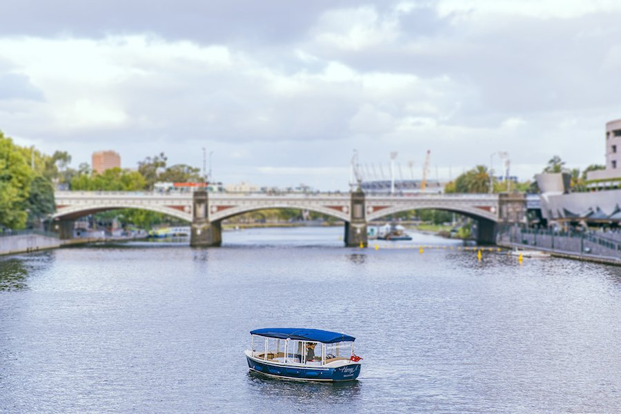 romantic dining cruises for groups in melbourne