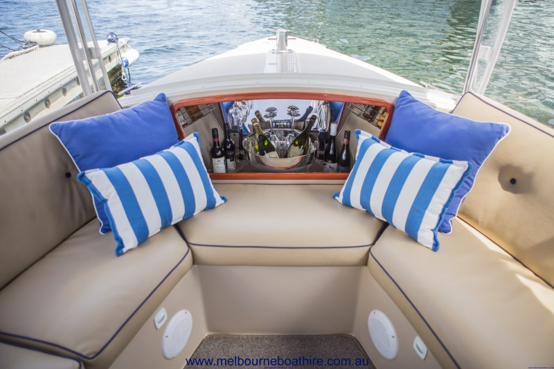 Melbourne Boat Hire - Yarra River Luxury skippered cruises