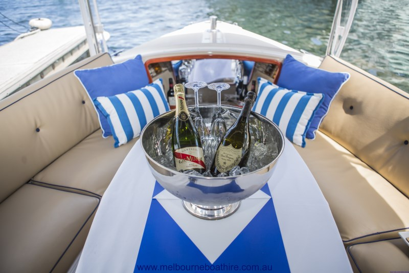 Melbourne Boat Hire - Cruise Melbourne in Style