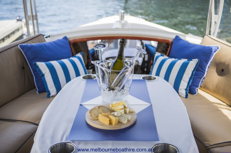 Melbourne Boat Hire - Eco-friendly boat hire